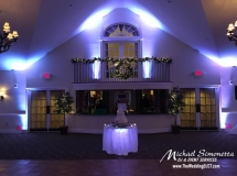 Wedding-DJ-CT-Riverhouse-uplighting