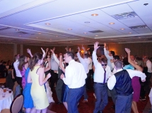 weddingdj-ct-fun-dancing-wateredge