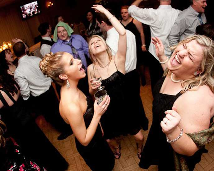 Professional Wedding DJ Services in CT